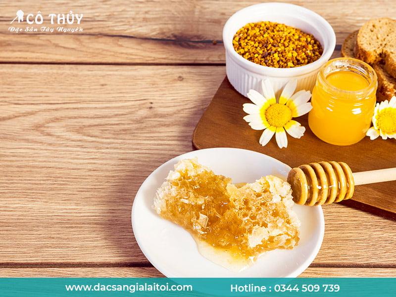 Tăng cân hiệu quả với cách pha mật ong cùng với phấn hoa và nước ấm