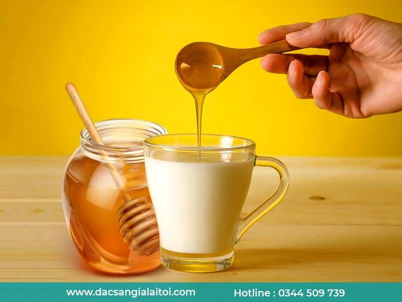 Công thức uống sữa đặc với mật ong
