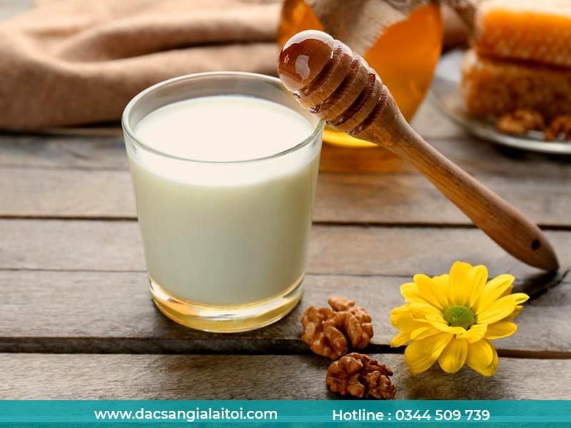 Cách uống sữa ông thọ với mật ong đúng cách